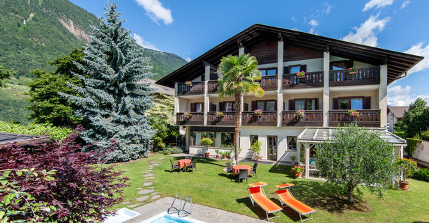 Pension Weingarten in Lana, South Tyrol