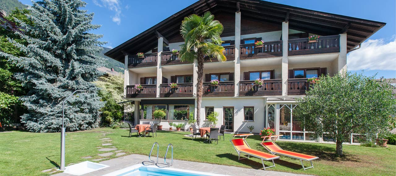 Hotel in lana near merano pension weingarten in south for Lana bei meran